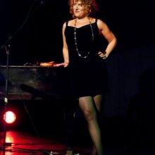 Annette Meisl am Klavier